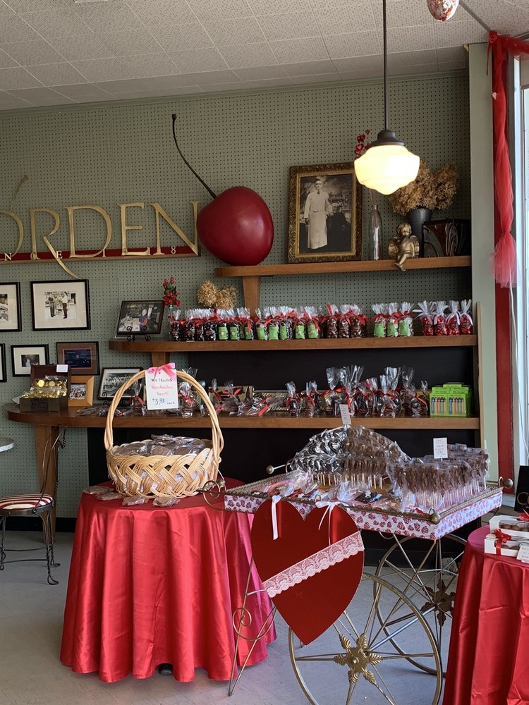 Corden's Candy Carousel: 26300 Michigan Ave, Inkster, MI