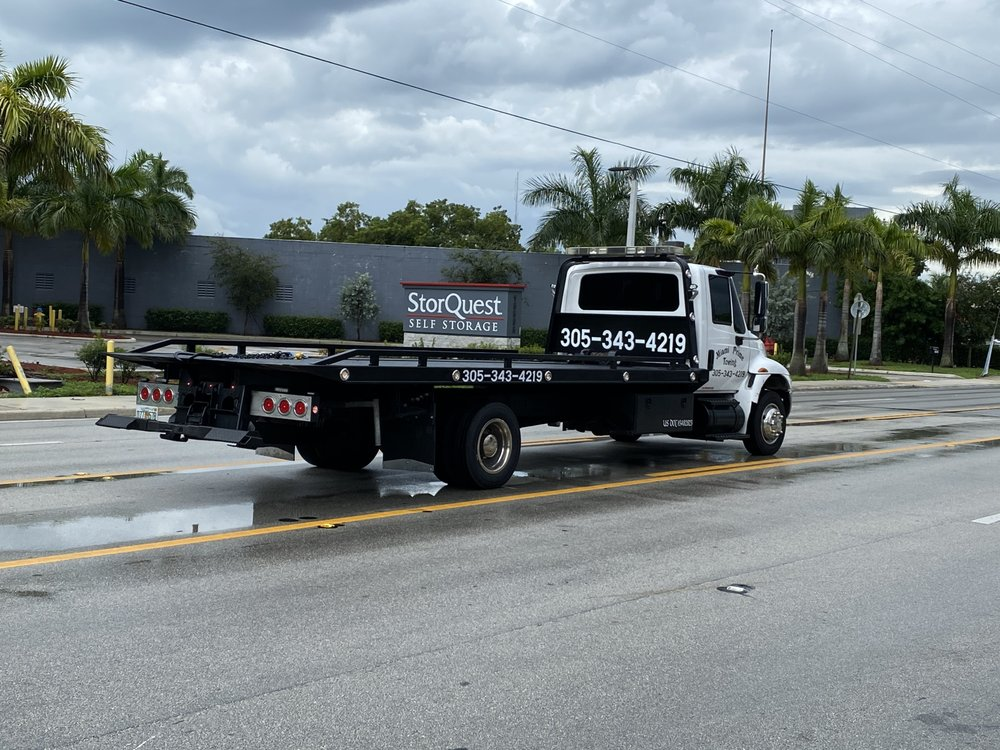 Towing business in Westview, FL