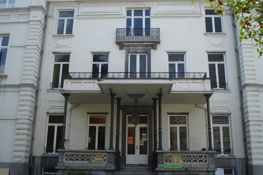 Maison des arts de schaerbeek lieu b timent historique for Adresse maison communale schaerbeek