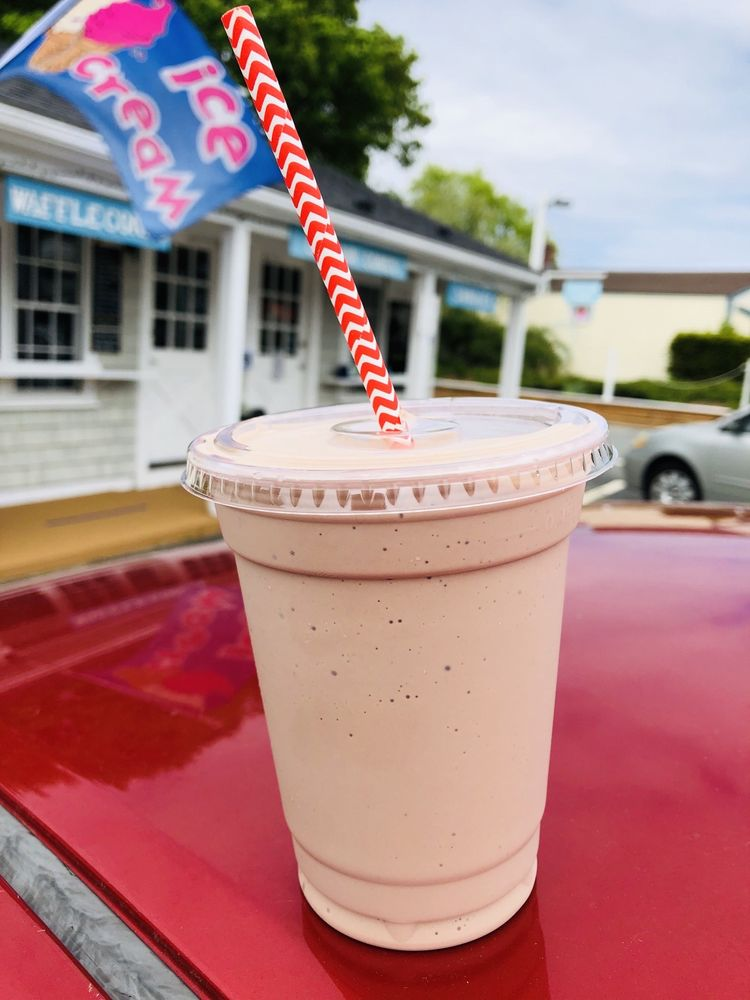 Captain Cone's Ice Cream: 460 Waquoit Hwy, East Falmouth, MA