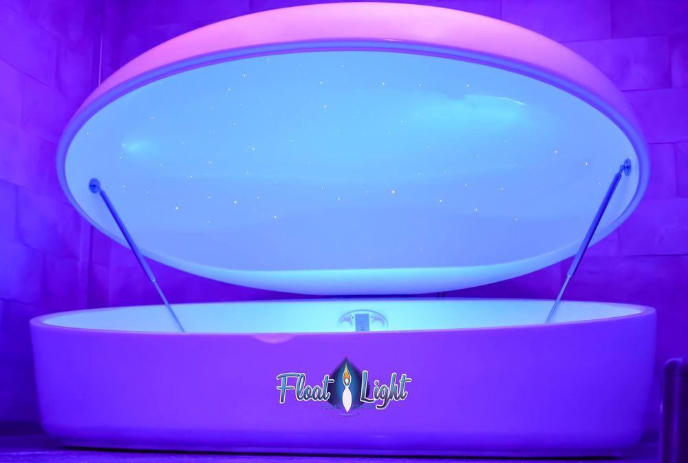 Float Light: 609 W College Ave, Appleton, WI