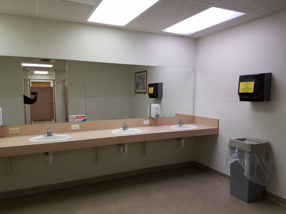 Edgewater Motel & Rv Park: 7145 Highway 93, Lakeside, MT