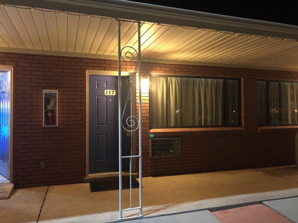 Motel 6: 585 W Main St, Tremonton, UT