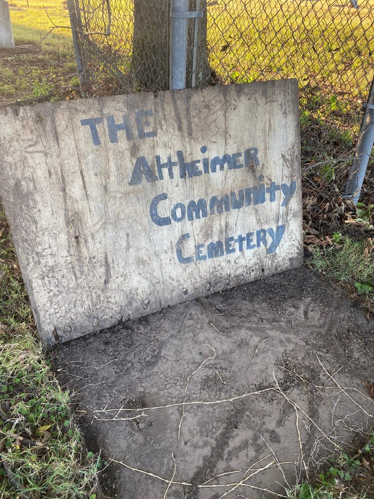 Altheimer Community Cemetery: 708 N Main St, Altheimer, AR