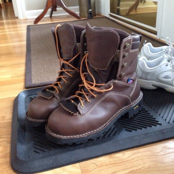 Danner - 43 Photos & 36 Reviews - Shoe Stores - 12021 NE Airport ...
