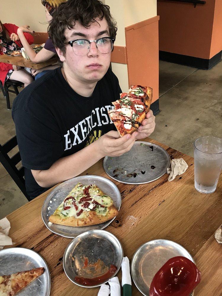 Felix's Pizza Pub
