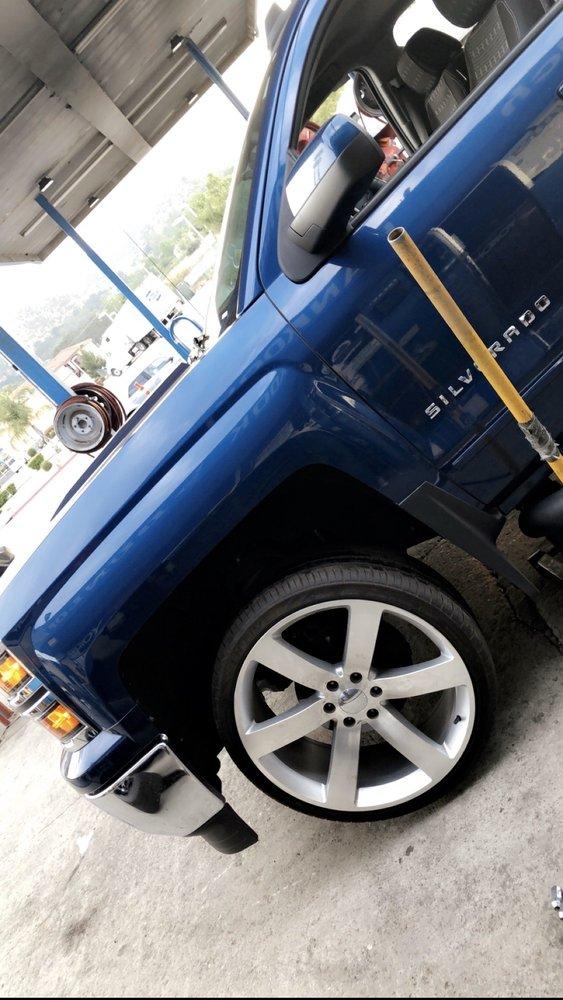 Benny's Tire Road Service: 31514 Castaic Rd, Castaic, CA