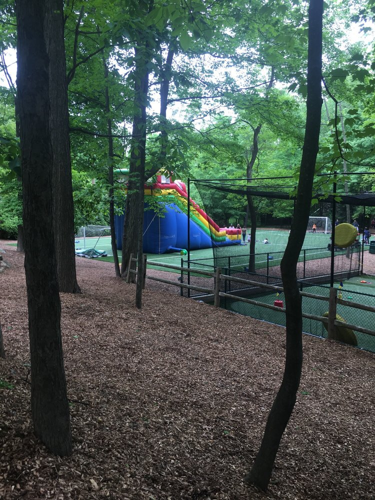 Ramapo Country Day Camp: 600 Saddle River Rd, Airmont, NY