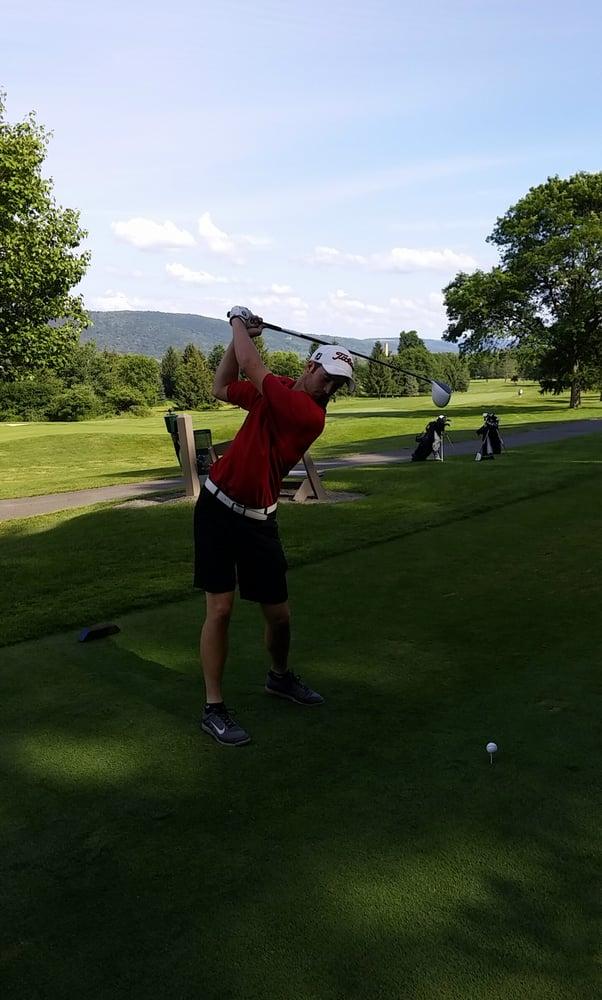 Mark Twain Community Golf Course: 2275 Corning Rd, Elmira, NY