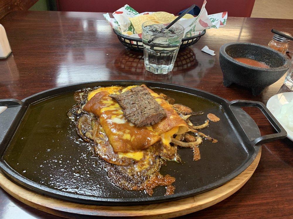 Locos restaurant and Bar: 603 W Waylon Jennings Blvd, Littlefield, TX