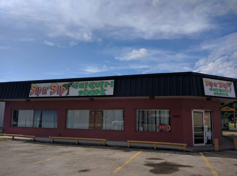 Sip N' Sip: 5010 College St, Beaumont, TX