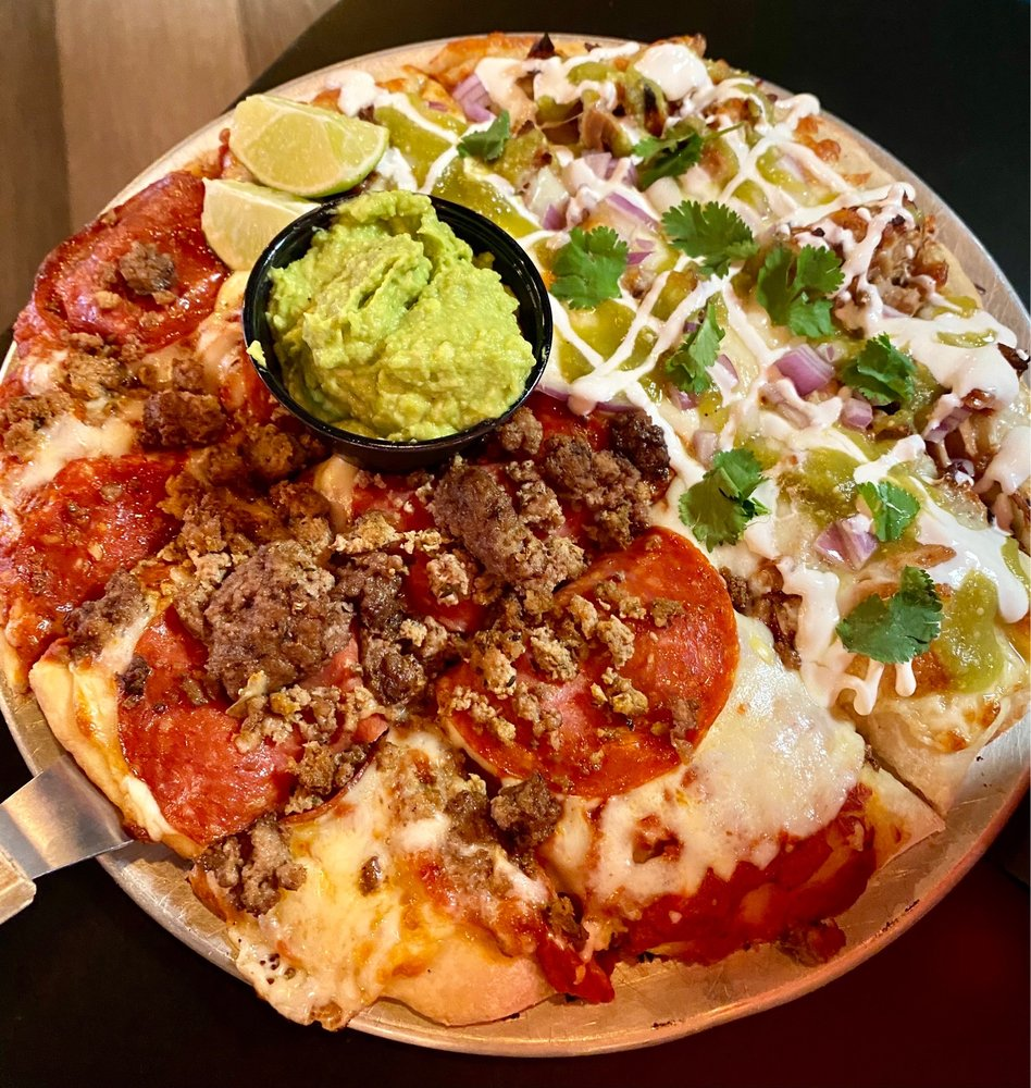 Big Kel's Pizza & Wings: 40 Arena Way, Council Bluffs, IA
