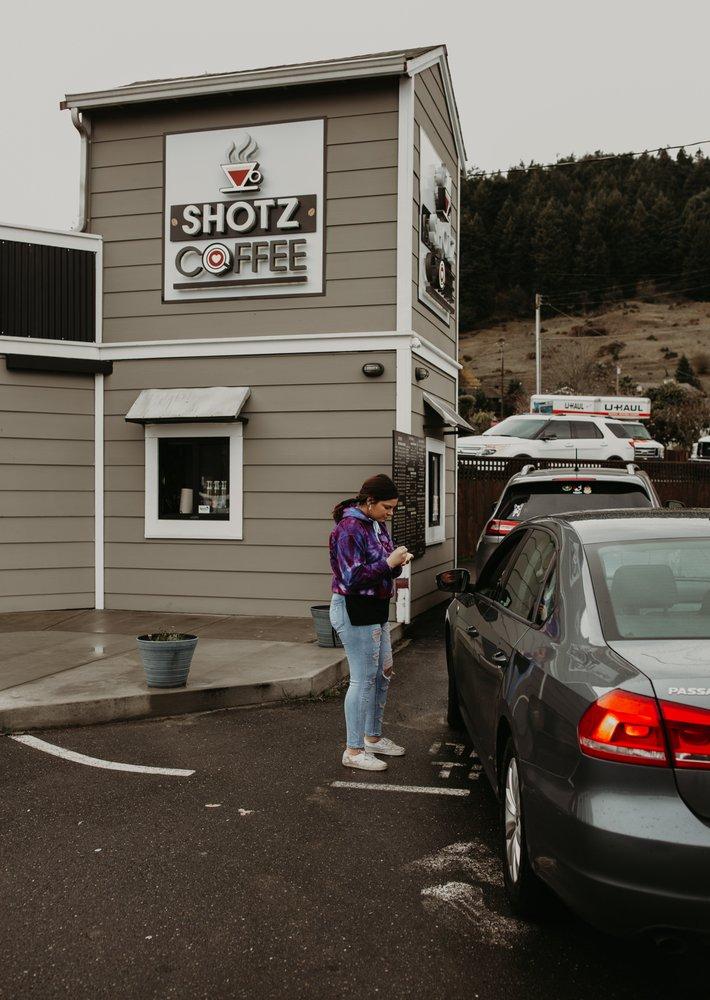 Shotz Coffee: 541 Wildwood Ave, Rio Dell, CA