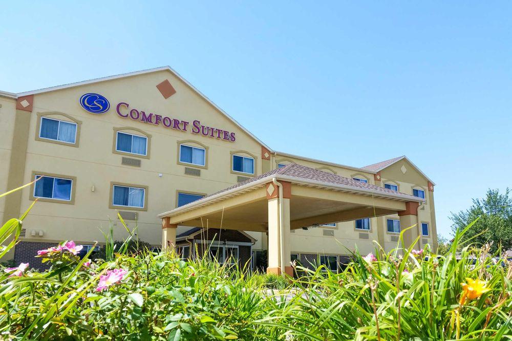 Comfort Suites: 10503 Bedford Ave, Omaha, NE