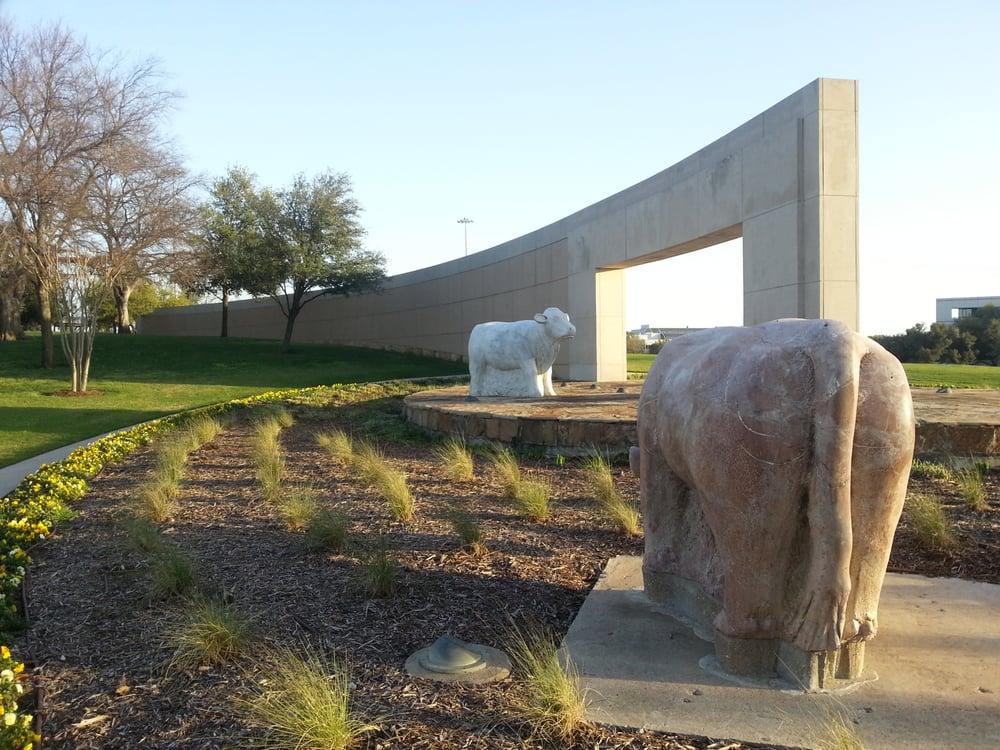 Ben H Carpenter Monument Founders Park: Irving, TX