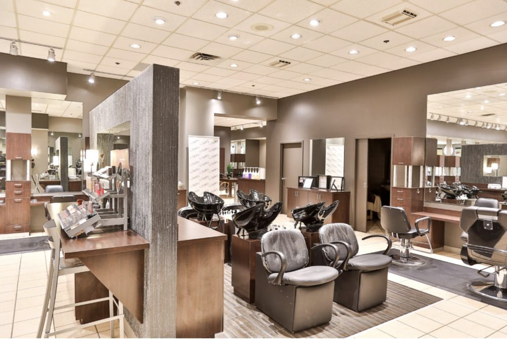Garbo's Salon and Spa, Oak View Mall: 3001 S 144th St, Omaha, NE