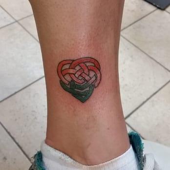 twisted tattoo 76 photos 62 reviews tattoo 4168 n