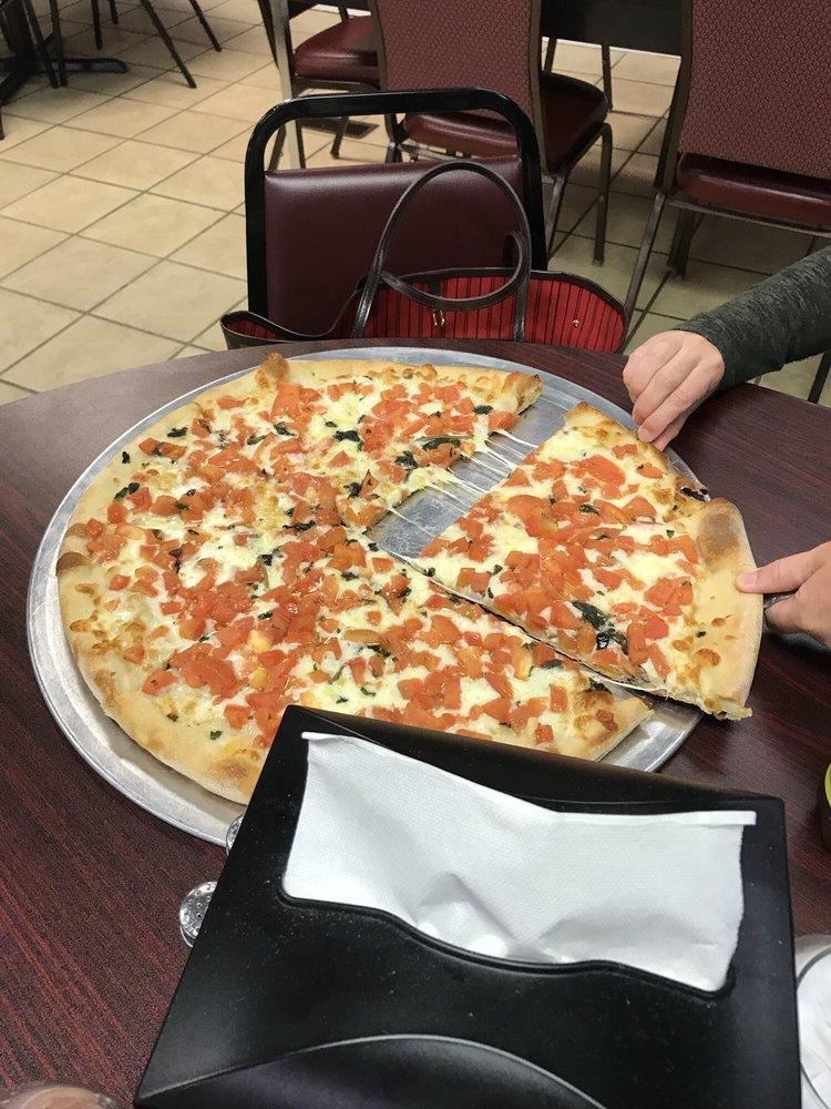 Liliana's Pizza & Grill: 1160 Newark Rd, Toughkenamon, PA