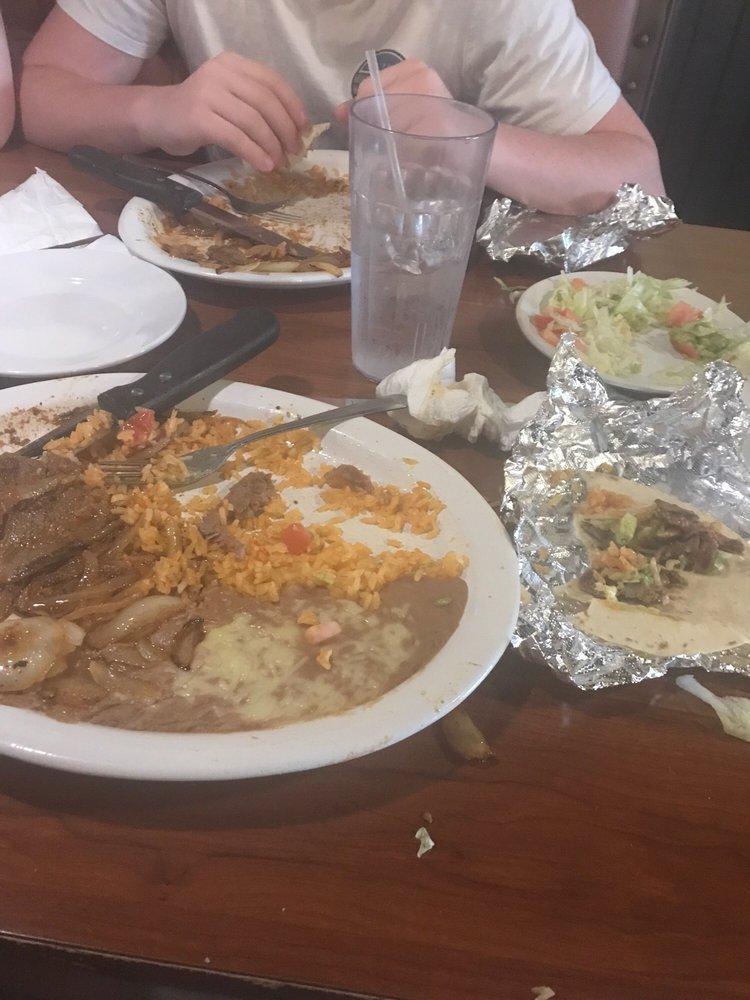Cinco De Mayo Mexican Restaurant: 1150 IL-54, Clinton, IL