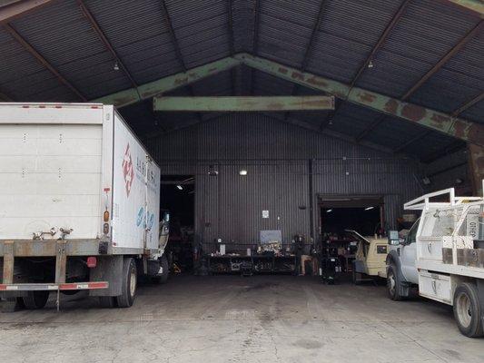 Private Garages For Diesel Machanics : Leonard s diesel repair get quote garages w