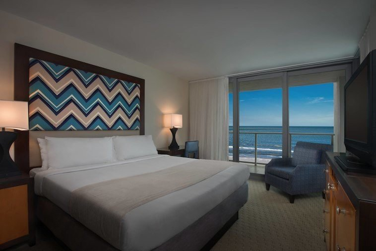 Marriott's Crystal Shores On Marco Island - Slideshow Image 2