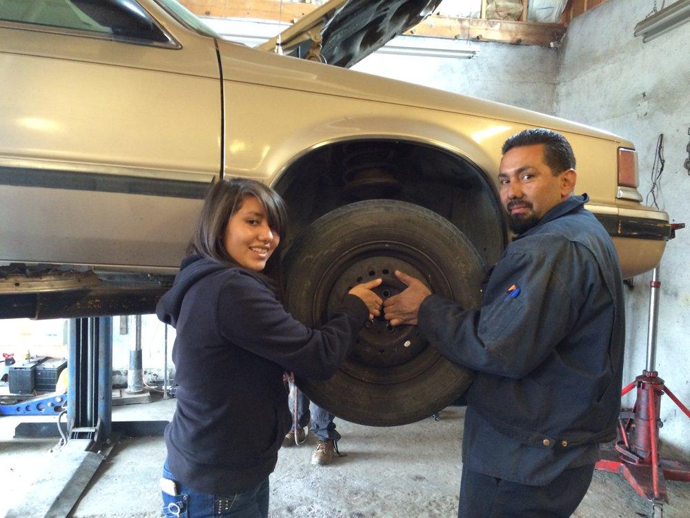 Sena's Auto Repair: 1812 N Riverside Dr, Española, NM