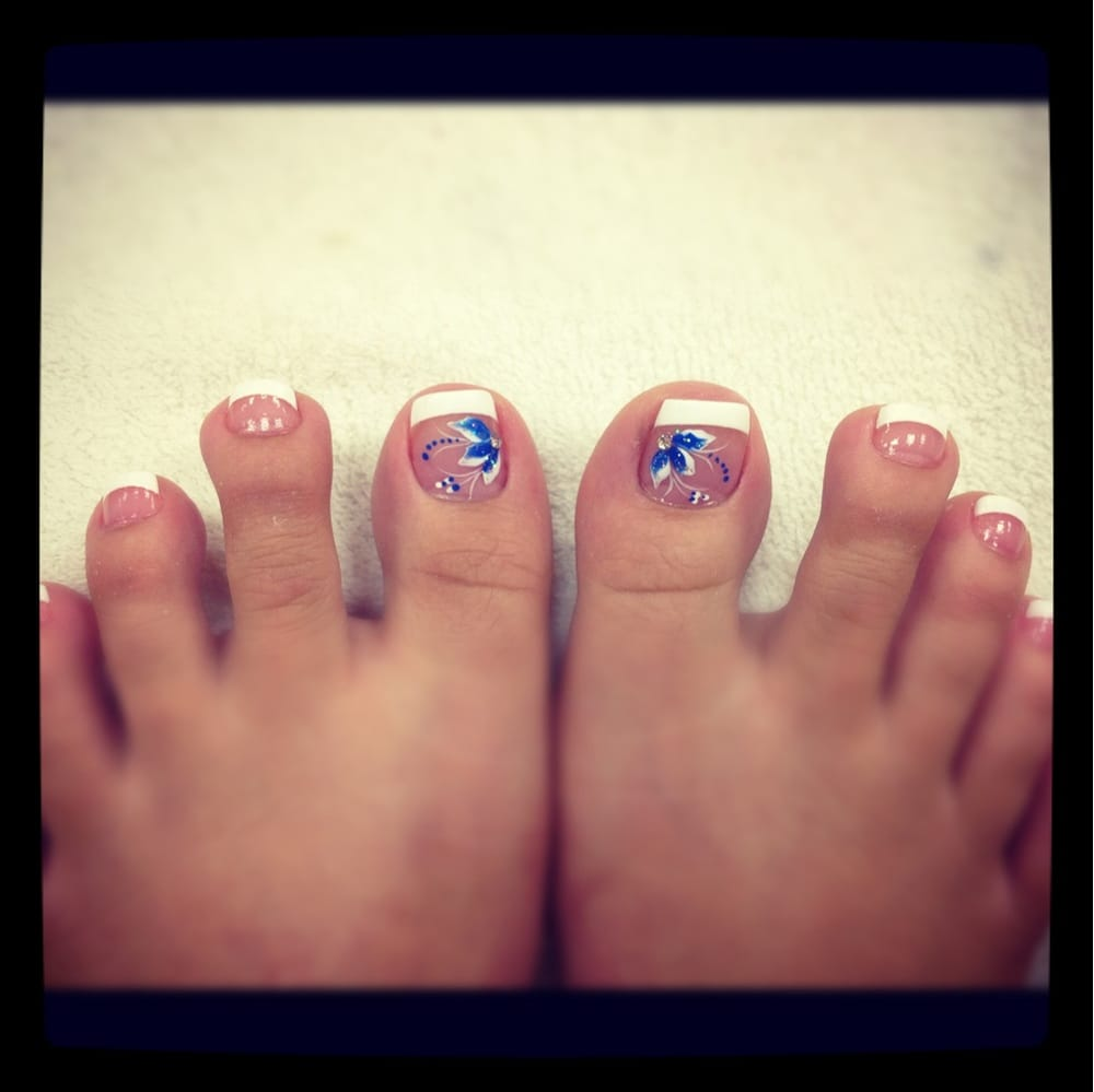 Ugly toes but pretty design. Vivian is the best when it comes to ...