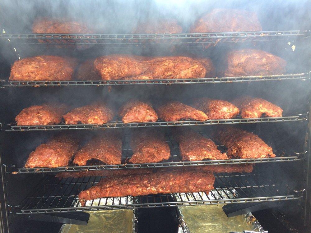 The Lone Star BBQ: 303 Laconia Rd, Tilton, NH