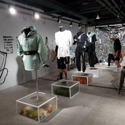 magasin en ligne 21d01 6640e Air Jordan Store - 22 Photos - Shoe Stores - 306 Yonge ...