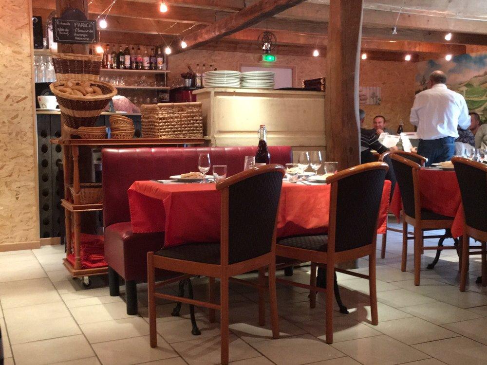 Le Bonheur des Gourmands: 2 avenue d'Alsace, Montier-en-Der, 52