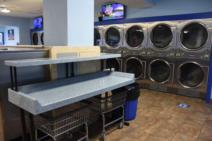 SuperSuds Laundromat: 701 Gorman Ave, Laurel, MD