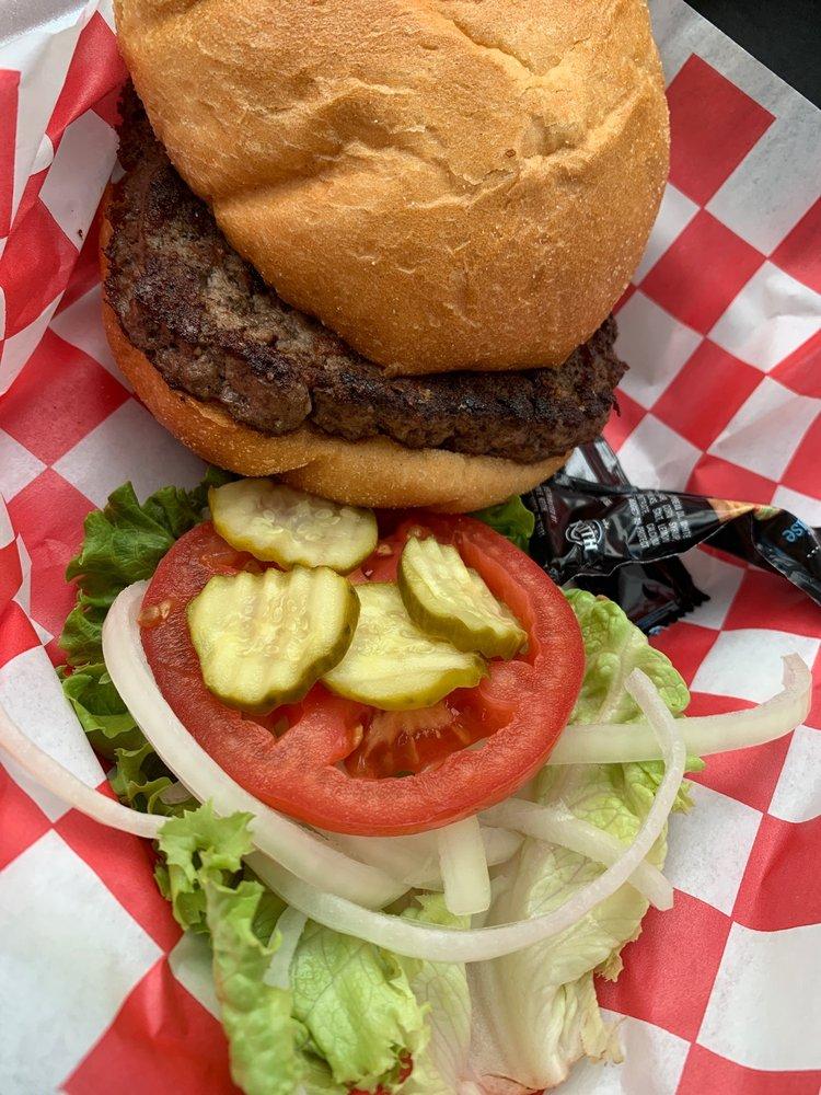 Ziggy's Roadside BBQ: 120 US Hwy 90, Brackettville, TX