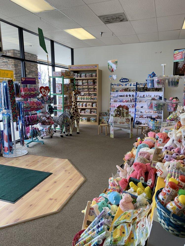 G. Whillikers Toys & Books: 41 W Lee Hwy, Warrenton, VA