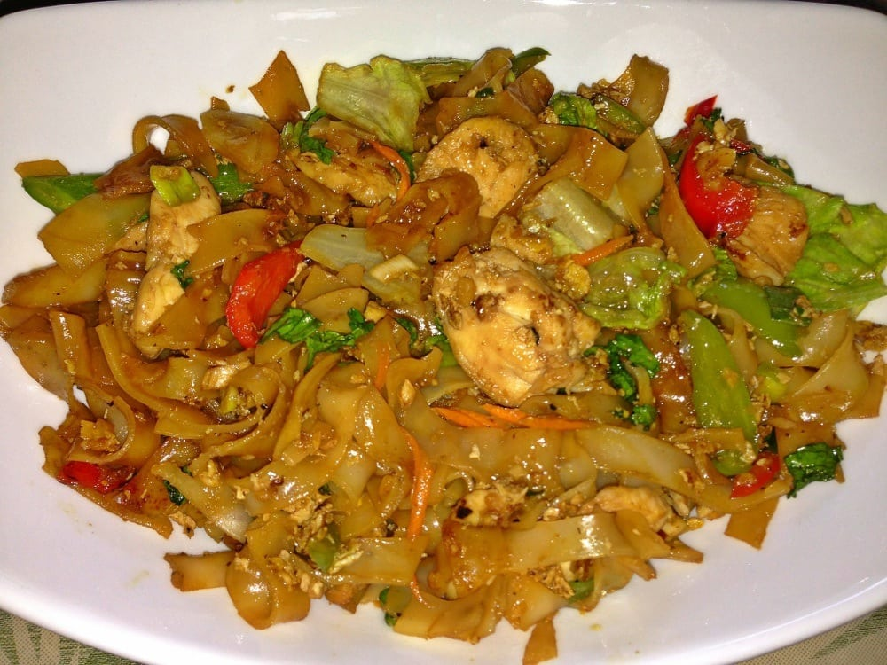 Drunken noodles w chicken scale 1 i recommend it yelp for 8 spices thai cuisine