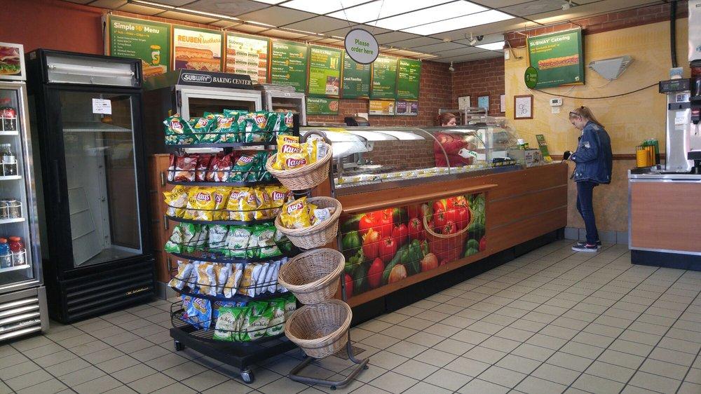 Subway Restaurants: 1932 Old Highway 84, Ashford, AL