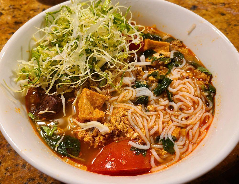 Saigon Soul Vietnamese Restaurant: 24202 104th Ave SE, Kent, WA
