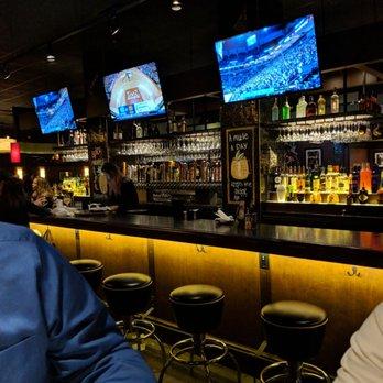 Bar Louie - 55 Photos & 134 Reviews - Bars - 2960 Center Valley Pkwy ...