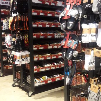 Vans Outlet - Shoe Stores - 450 Nw 257Th Ave 684654f528d