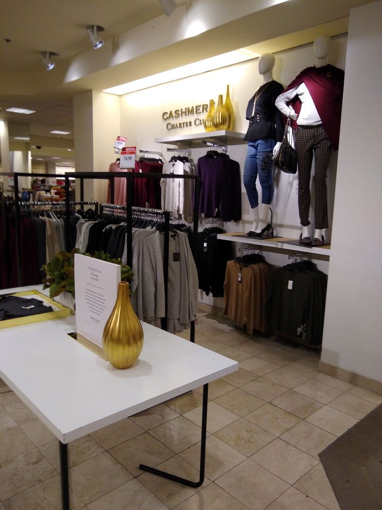 Oak Court Mall