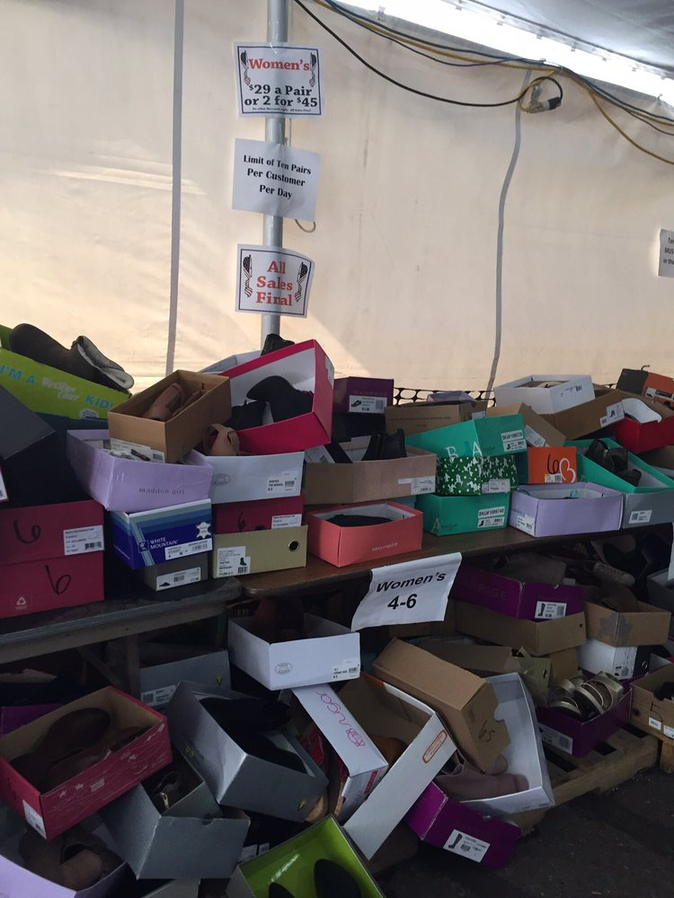 Mason Shoe Outlet Store: 301 N Bridge St, Chippewa Falls, WI