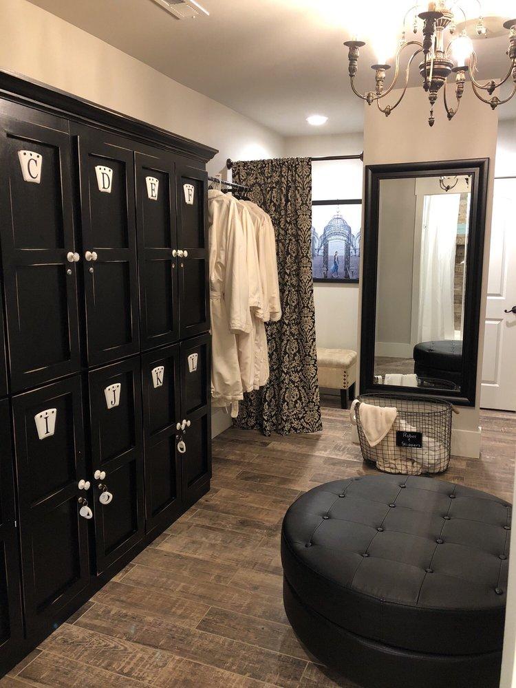 Bliss Luxury Spa and Salon: 4020 N Ocoee St, Cleveland, TN