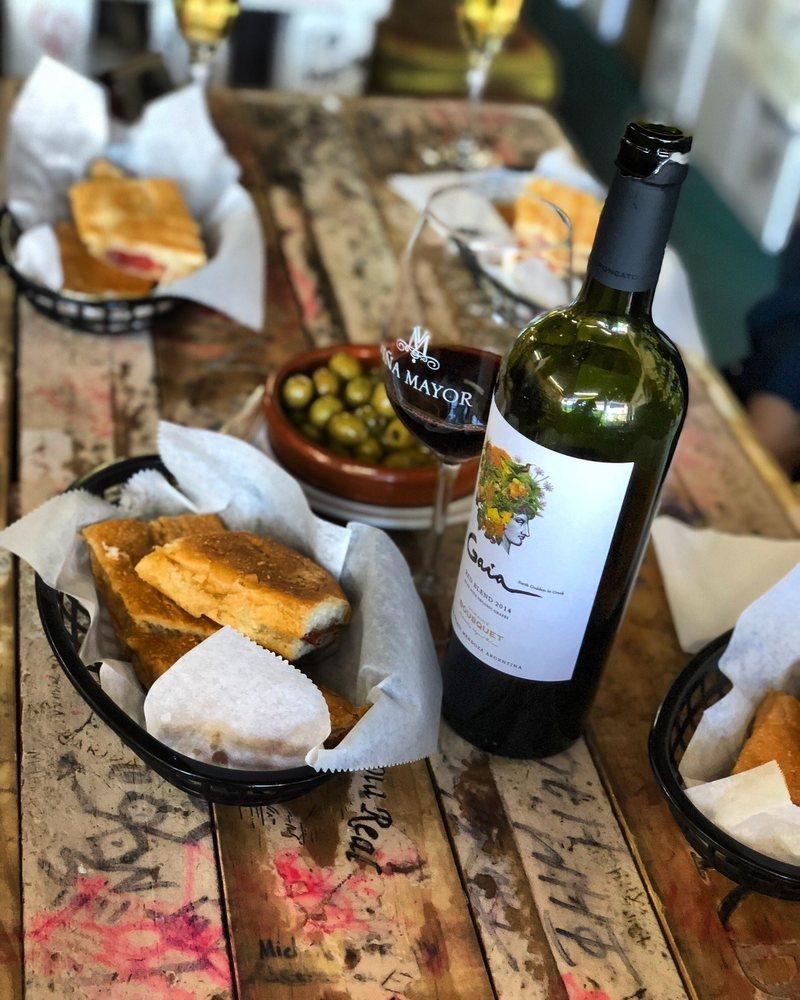 Happy Wine Calle Ocho