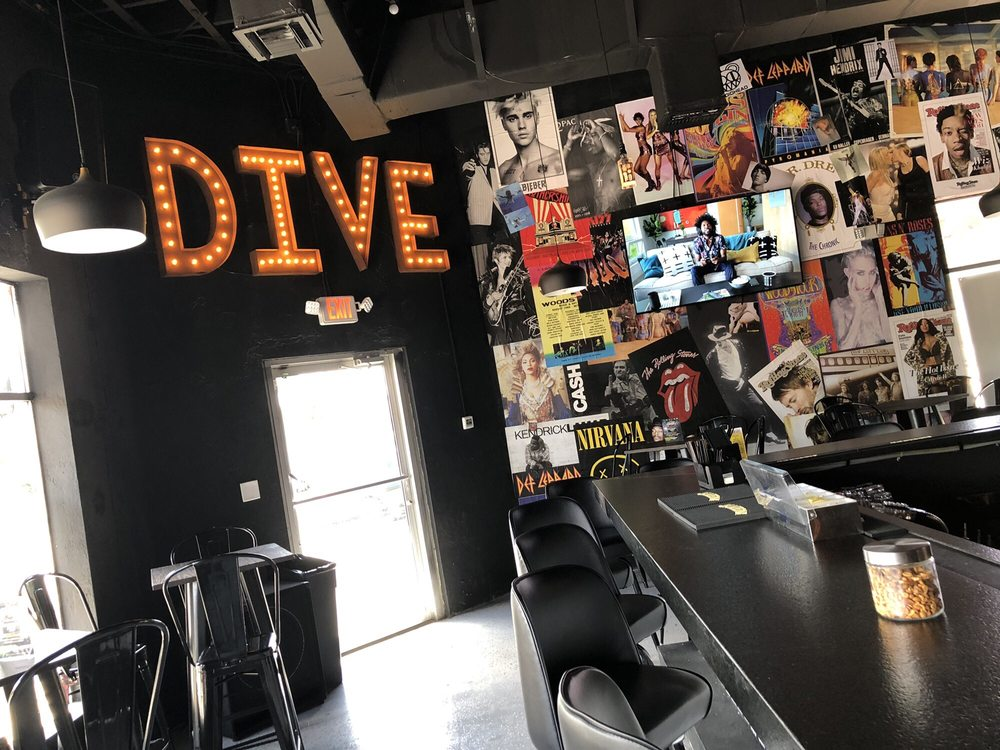 district dive: 2401 E. South Street, Orlando, FL