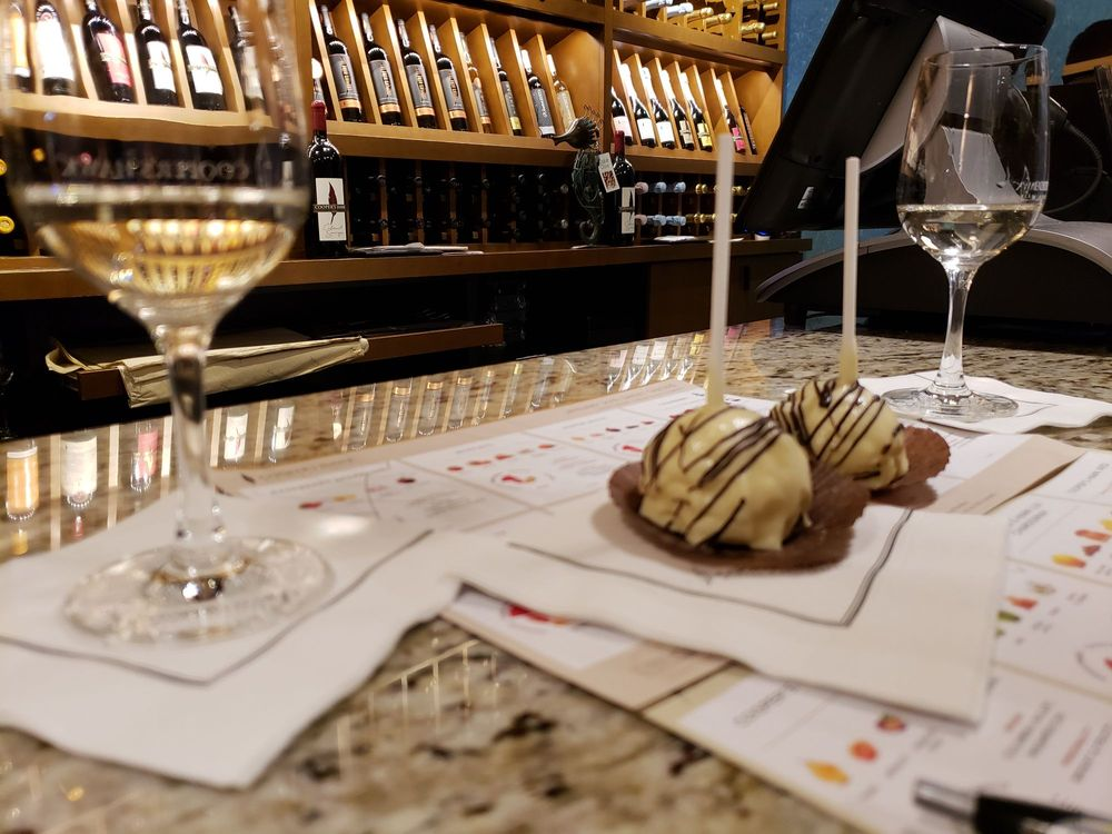Cooper's Hawk Winery & Restaurant - Tampa: 4110 W Boy Scout Blvd, Tampa, FL