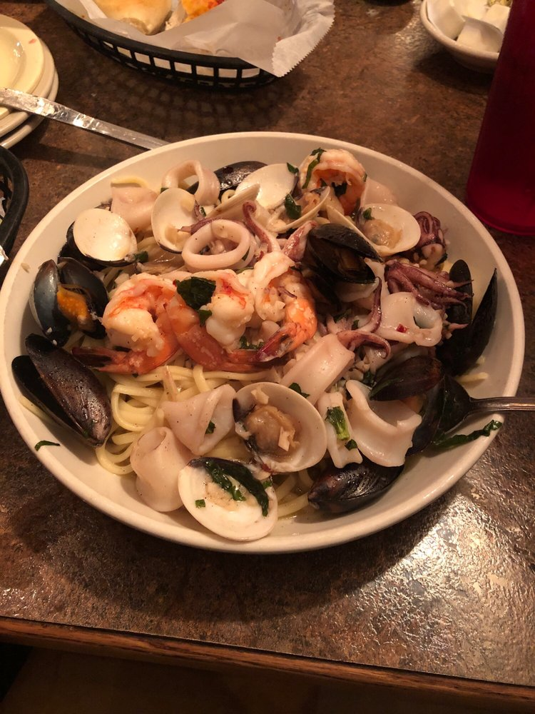 Salvatore's Italian Grille: 4831 Mahoning Ave, Youngstown, OH
