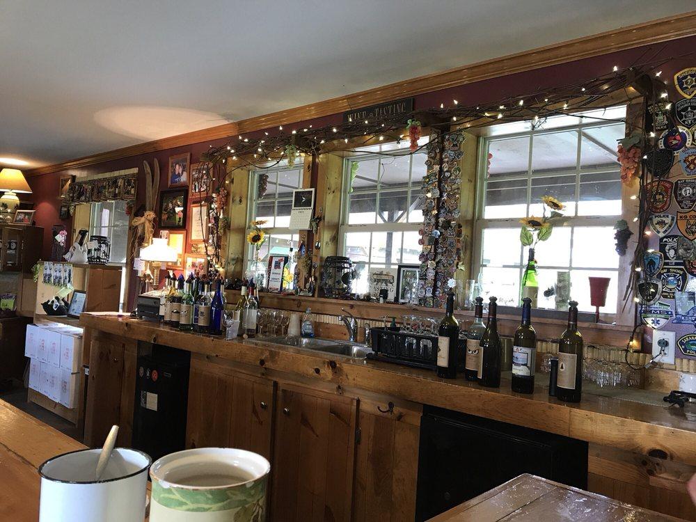 Rustic Ridge Winery: 2805 New York 80, Burlington Flats, NY