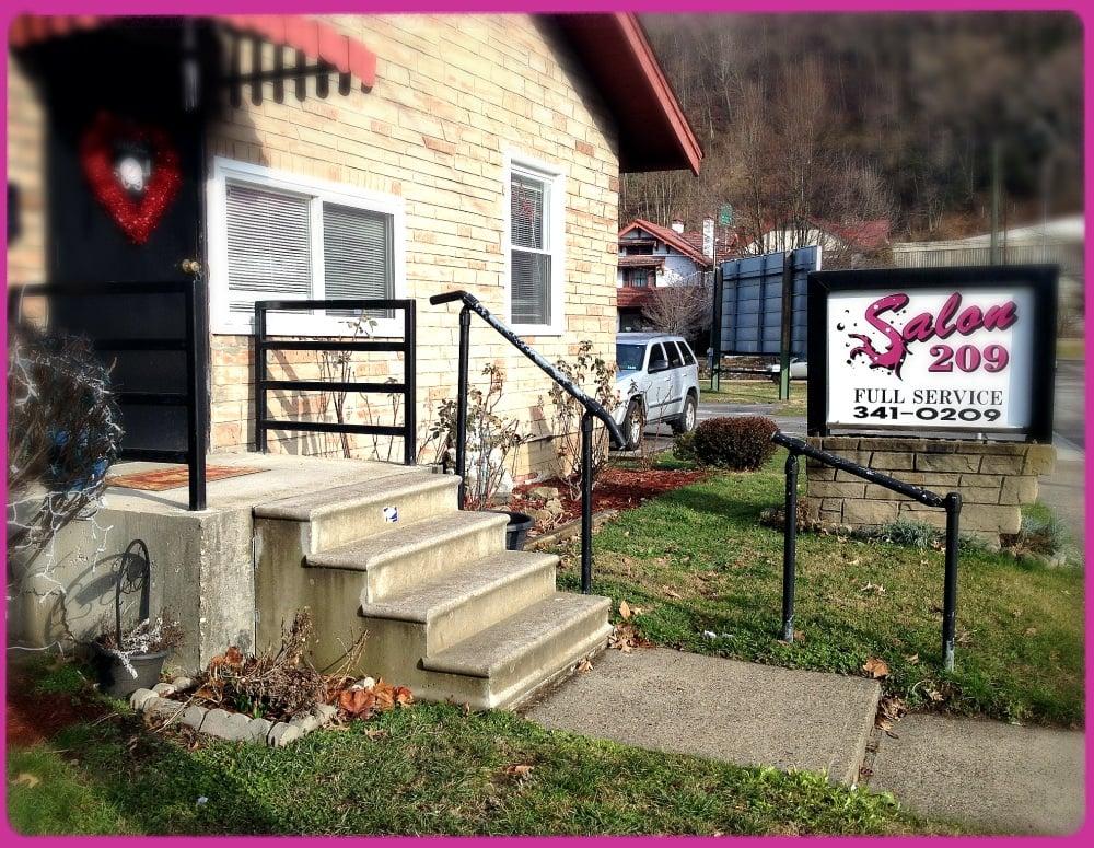 Salon 209: 209 Chesapeake Ave, Charleston, WV