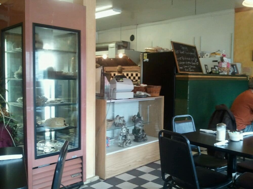 Cafe Coyotes: 13 Main St, Cherry Valley, NY