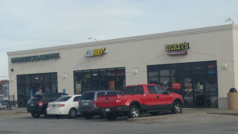 Subway Restaurants: 12243 W Center Rd, Omaha, NE