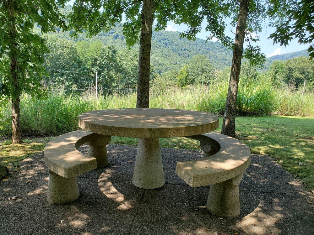 Sandstone Visitor Center: 330 Meadow Creek Rd, Meadow Bridge, WV